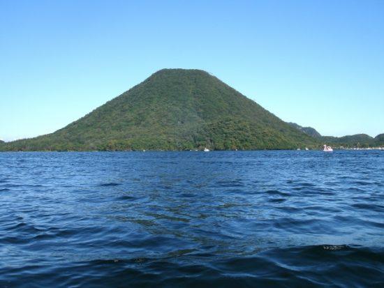 日本で2番めに標高の高い群馬県の榛名湖