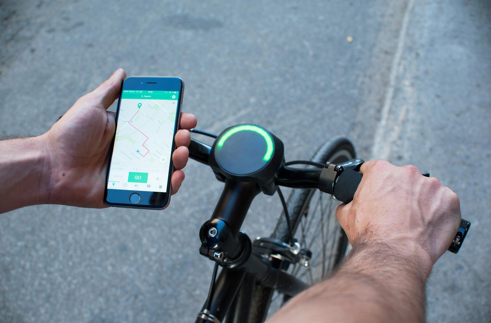 「SmartHalo」はランプで教えてくれるナビシステム