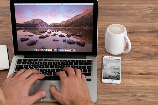 Macbookとレッツノートの画面サイズや重量
