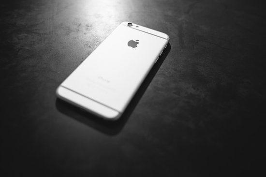iPhone離れがすすんでいる訳とは