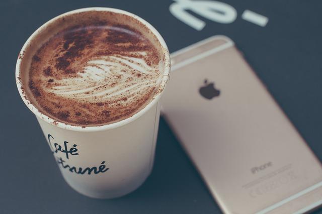 iPhoneのiOS9.3から新機能が追加!「Night Shift(夜勤モード)」の設定のやり方