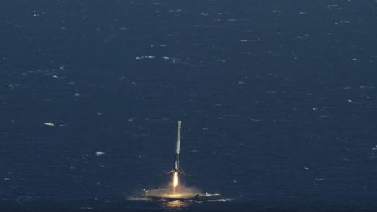 ロケットを飛ばし洋上に着陸3