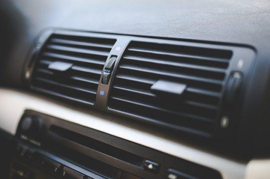 暑い所に置いておくと消費電力が増える?