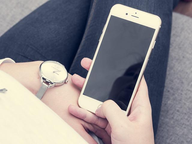 iPhoneやiPadのホームボタンが壊れて反応しない!画面に表示させる方法とは?