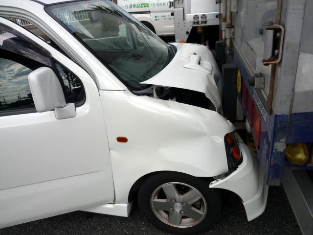 事故の時に使う保険で気をつけるべきポイント!自賠責と労災は同時に使えない?