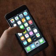 iPhoneの画面割れを3,400円で修理できる