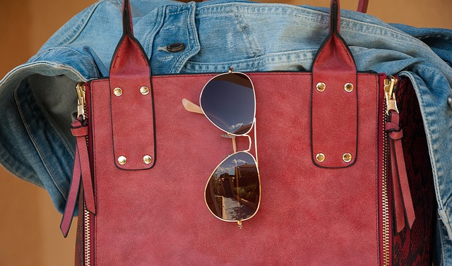 Instagramに新機能「Shop Now」が試験導入!投稿された写真の商品をすぐに購入できる!