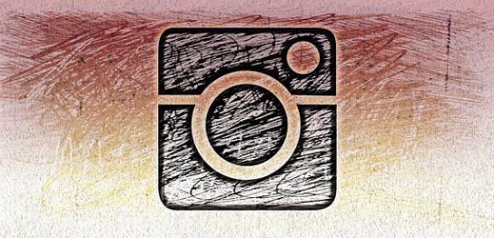 インスタグラムに新機能「アルバムの様に画像や動画を複数(10枚まで)投稿」できる機能が追加!