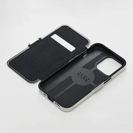 【iPhone13 ケース】ZERO HALLIBURTON Hybrid Shockproof Flip Case for iPhone13 (Silver)